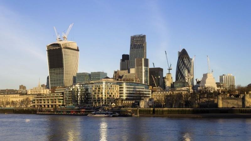 """נדל""""ן מסחרי בלונדון"""