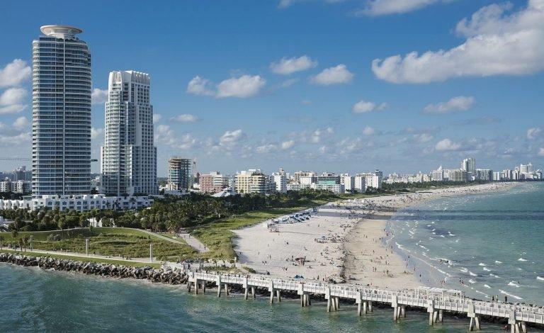 חוף הים בפלורידה