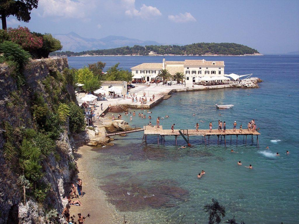 חוף הים ביוון